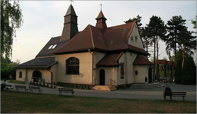 Kościół Matki Bożej Królowej Polski w Krakowie (ul.Kobierzyńska) 30-382 - Zdjęcia